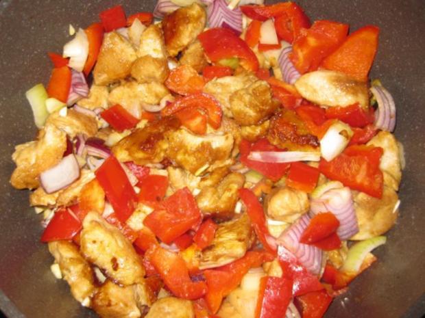 Putengulasch mit Paprika und Zwiebeln - Rezept - Bild Nr. 4