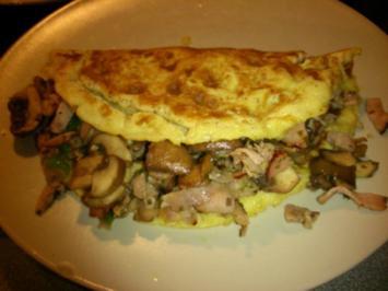 Omelett gefüllt mit Champignons und Schinken - Rezept