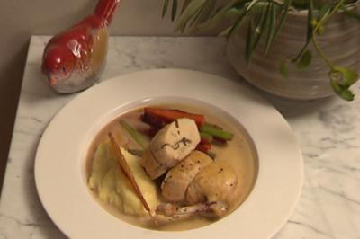 Supreme vom Maishähnchen mit Trüffelfond und zweierlei Sellerie - Rezept