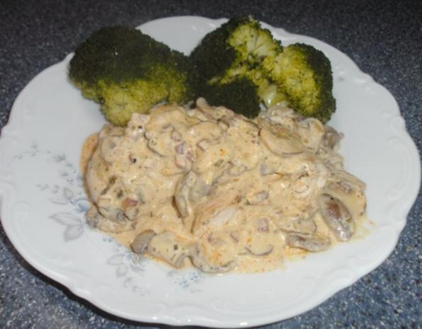 Hähnchen in Speck-Zwiebelsoße - Rezept