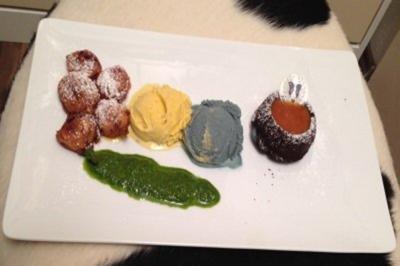 Sherry-Teig-Erdbeeren, Basilikum-Honig-Pesto, Ingwer- und Veilchen-Eis und Schokotörtchen - Rezept