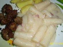 Schwarzwurzelgemüse mit Salzkartoffeln und Mini-Frikadellen. - Rezept