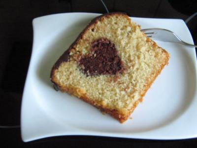 Kastenkuchen mit Herz in der Mitte - Rezept