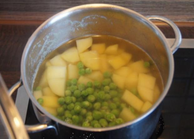 Regenbogen-Forelle mit Gemüse und Erbsen-Kartoffelstampf - Rezept - Bild Nr. 8