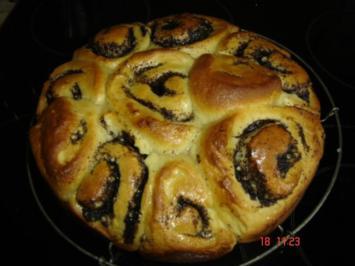 Rosenkuchen mit Mohn - Rezept
