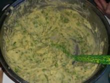 Beilagen : Kartoffelpüree in geselschaft mit Knoblauch und grünen Erbsen - Rezept