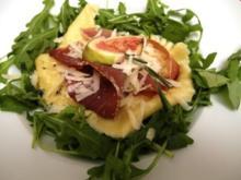 Ziegenkäse-Ravioli gefüllt mit Feige an Rosmarin-Honig-Butter und Prosciutto - Rezept