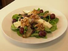 Salat der Saison mit gebackenem Ziegenkäse, Birne und Walnuss (Vorspeise Christian Polanc) - Rezept