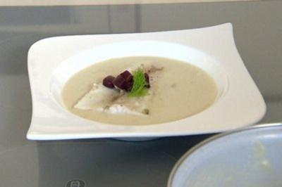 Weißweinsuppe mit Zanderfilet (Vorspeise Tanja Szewczenko) - Rezept