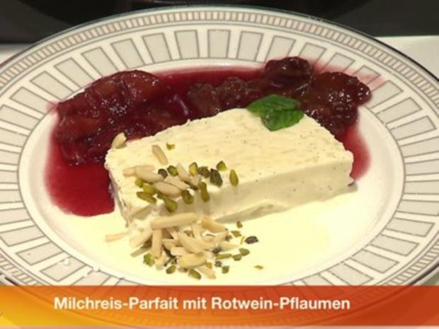 Milchreisparfait mit Rotwein-Pflaumen - Rezept