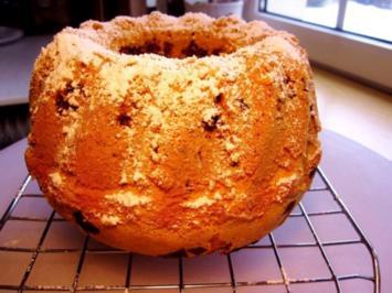 Kleiner Vanille-Kranzkuchen mit Schokoladenstückchen drin - Rezept