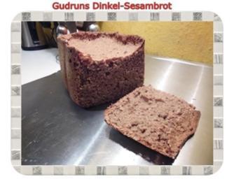 Brot: Dinkel-Sesambrot - Rezept