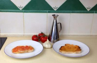 Pan con Tomate / Brot mit Tomate auf spanische Art - Rezept
