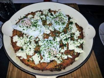 Ofenrösti mit pochierten Eiern und Schafskäse - Rezept