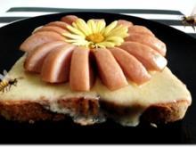"""""""Wurst-Blume""""  auf  Cheddar-Käse-Sandwich - Rezept"""