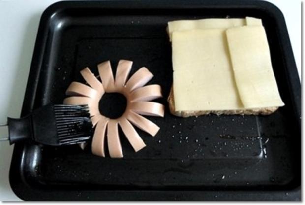 """""""Wurst-Blume""""  auf  Cheddar-Käse-Sandwich - Rezept - Bild Nr. 13"""