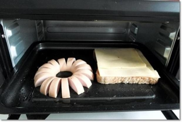 """""""Wurst-Blume""""  auf  Cheddar-Käse-Sandwich - Rezept - Bild Nr. 14"""