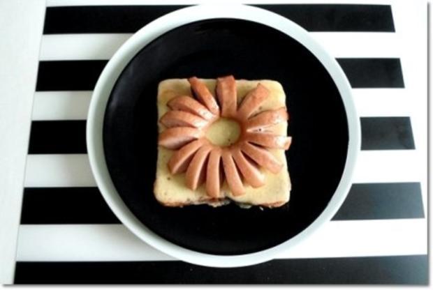 """""""Wurst-Blume""""  auf  Cheddar-Käse-Sandwich - Rezept - Bild Nr. 19"""