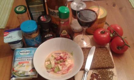 Tomaten-Papikasalat mit einem Koriander-Chili Dressing - Rezept