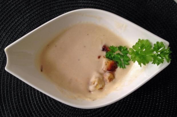 Sellerieschaumsüppchen mit Croutons - Rezept