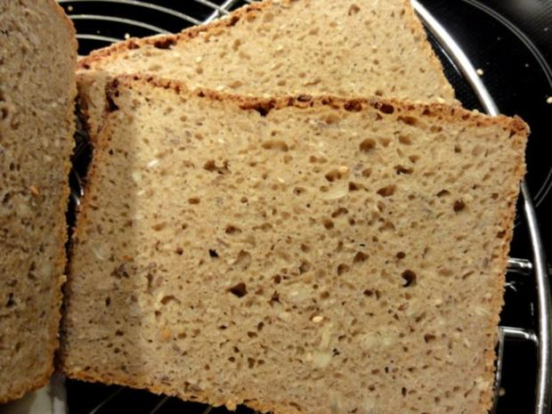 Brot:   ROGGEN-KÖRNER-BROT mit Sesamkruste - Rezept - Bild Nr. 2