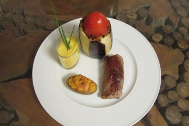 Zebrasteak/Windhoek, Kartoffel/Lüderitz, Aubergine mit Couscous-Dattel-Füllung - Rezept