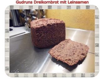Brot: Dreikorn-Leinsamenbrot - Rezept