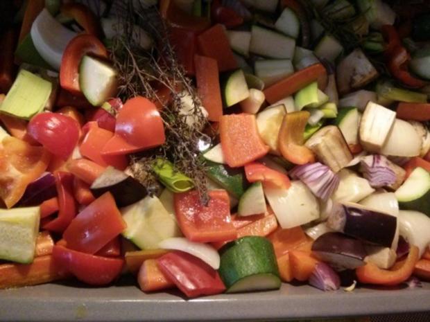 Lachs mit Rosmarienkartoffeln neben mediteranem Gemüse (auch für den Grill!!) - Rezept - Bild Nr. 2