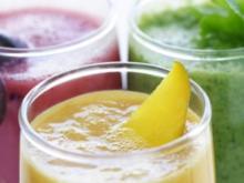 Morgens-Wach-in-den-Tag-Smoothie, Gemüse-Waffelherzen mit Tomatensalat & Popcorn-Hähnchen - Rezept