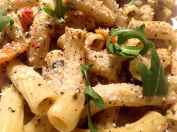 Pasta mit Pistazien-Sahnesoße - Rezept - Bild Nr. 2