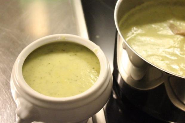 Zucchini-Cremesuppe - Rezept