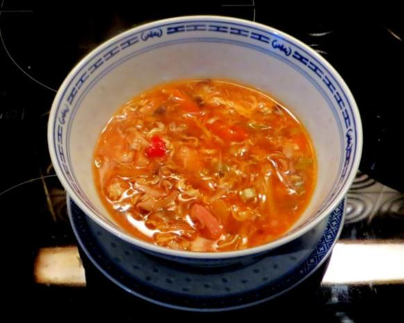 Klare Chinasuppe / Hühnersuppe süß-sauer - Rezept