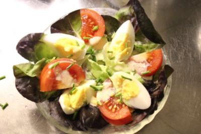 Rezept: Roter Kopfsalat an französischer Sauce für Gäste