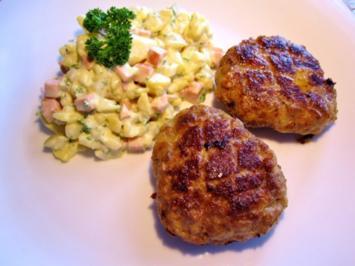 Griechisch gewürzte Hackfleisch-Küchle mit typisch deutschem Kartoffelsalat ... - Rezept