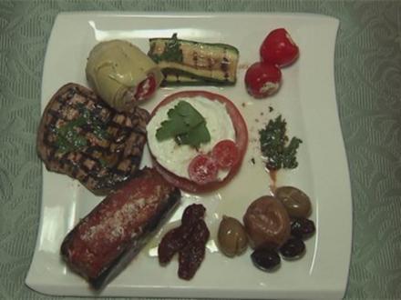 Antipasti - gegrilltes Gemüse, gefüllte Paprikaschoten und Auberginen (Aurelio Savina) - Rezept