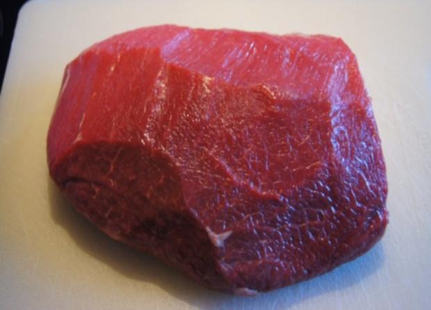 Rindfleisch mit Zwiebeln und Möhrenstiften - Rezept - Bild Nr. 2