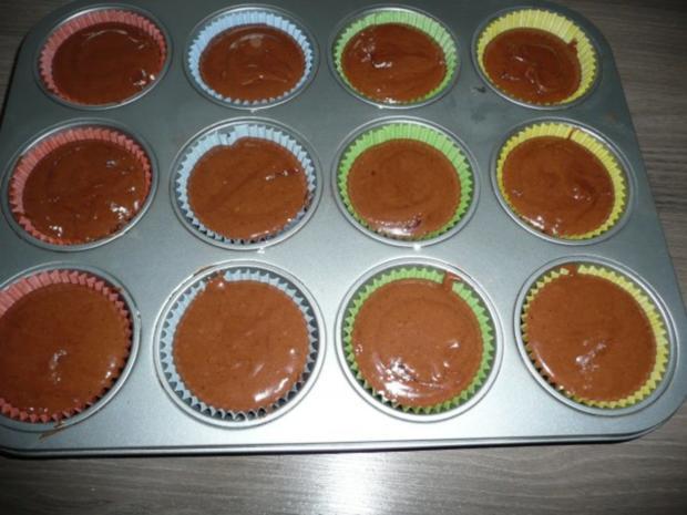 Schoko - Cupcakes mit Johannis - + Brombeere - Quark - Topping ! - Rezept - Bild Nr. 2