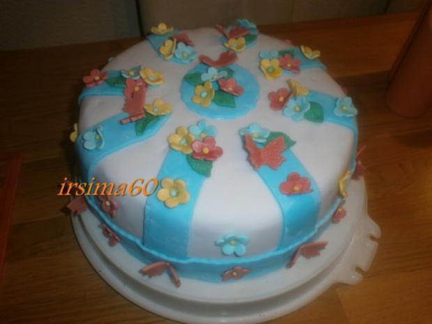 Fruhlings Torte Mit Mandarinen Quark Fullung Und Fondantdecke
