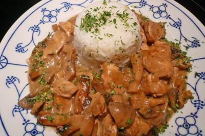 Huhn in Pilz- Ingwer- Soße - Rezept