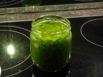 Bärlauch Pesto mit Wallnüsse - Rezept