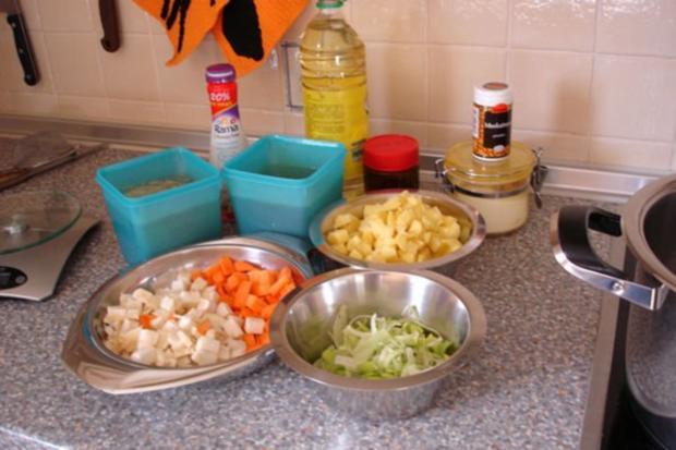 Kartoffelsuppe mit Brandteig-Nocken - Rezept - Bild Nr. 2