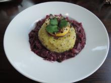 Halb & Halb - Kartoffelkloß mit Kürbiskern-Öl auf Birnenrotkraut - Rezept