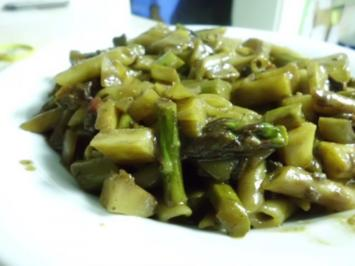 Rezept: Pfannengericht: Gemüseragout mit Nudeln