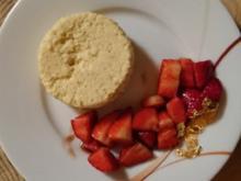 Grießflammeri an Balsamico Erdbeeren - Rezept