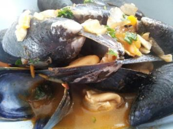 "Miesmuscheln ""busara""  nach Art des Chilenen - Rezept"