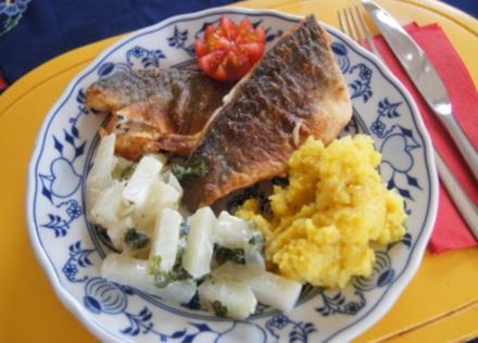 Wolfbarschfilet mit Kohlrabirahmgemüse und Currykartoffelstampf - Rezept