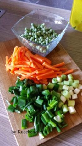 Gebratene Nudeln mit Hähnchenbruststreifen und Gemüse - Rezept - Bild Nr. 3