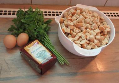 Semmelknödel mit Kürbiskernen - Rezept