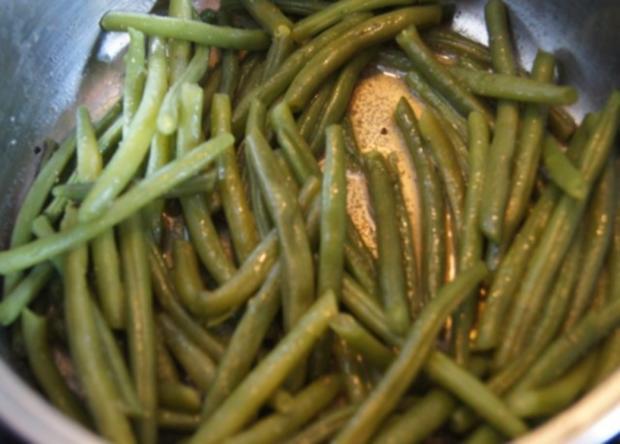 Lammkeule mit Buschbohnen und Mandelbällchen - Rezept - Bild Nr. 11