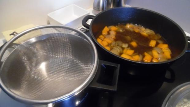 Kasseler im Blätterteig mit Kartoffel-Möhren-Stampf und Rahm-Ananas-Sauerkraut - Rezept - Bild Nr. 12